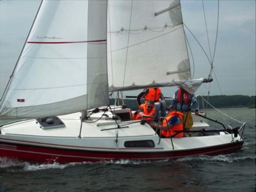 Spoed spoed spoed Gezocht ;Volwassen begeleiding voor zeilzwerftocht Friesland met CWO 2
